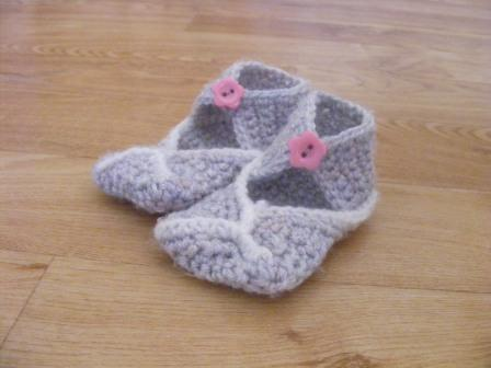 first stand-up non-slippers (unisex, age varies)